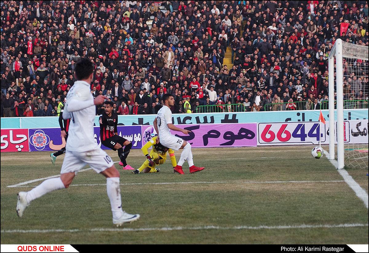 دیدار تیم های فوتبال مشکی پوشان - پرسپولیس/گزارش تصویری