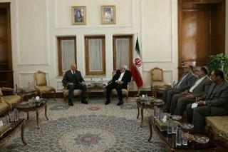 هماهنگ کننده سازمان ملل در تهران با ظریف