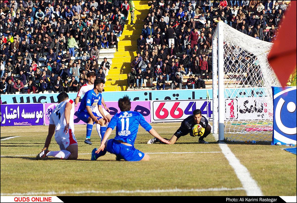 دیدار تیم های فوتبال پدیده-استقلال تهران/گزارش تصویری