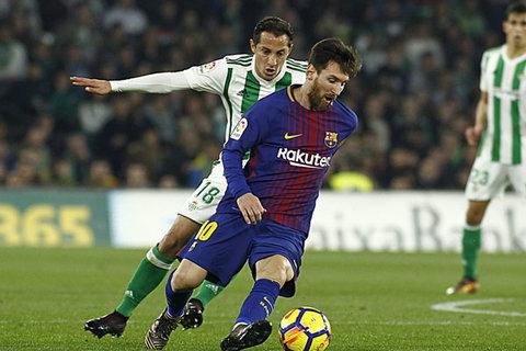 بارسلونا در نیمه دوم بتیس را به توپ بست/ اقتدار یاران لئو مسی در لالیگا