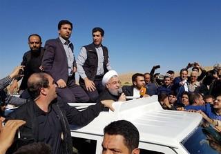 رئیس جمهور در بازدید از مناطق زلزلهزده