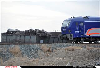 خروج چند واگن قطار باری از ریل