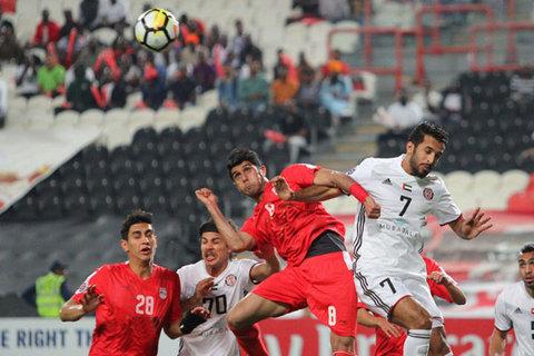 دیدار تیم های فوتبال تراکتورسازی و الجزیره امارات