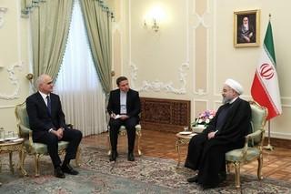 روحانی در دیدار مقام آذربایجانی