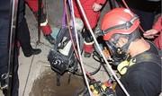 نجات معجزه آسای جوان ۲۹  ساله از دل چاه ۳۰ متری توسط آتش نشانان