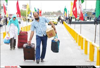 حضور زائران و مسافران در مشهد مقدس