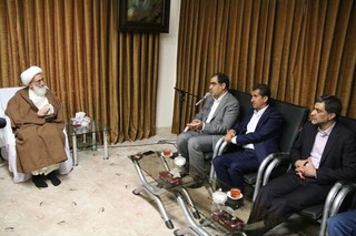 وزیر بهداشت در دیدار با آیت الله نوری همدانی