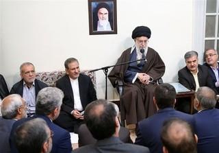 امام خامنهای در جمع کارگزاران نظام