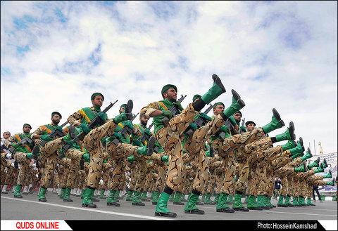 مراسم رژه روز ارتش در مشهد برگزار شد/ گزارش تصویری