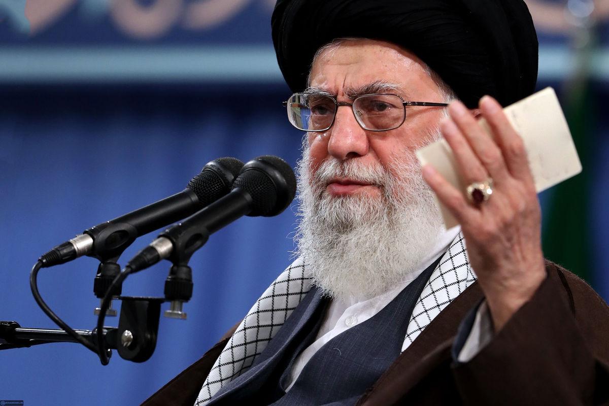 رهبر معظم انقلاب اسلامی در دیدار وزیر و مسئولان و جمعی از کارکنان وزارت اطلاعات/ گزارش تصویری