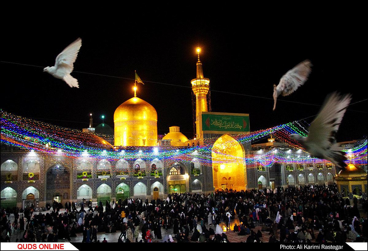 جشن شب میلاد حضرت اما حسین(ع) در حرم مطهر رضوی/گزارش تصویری