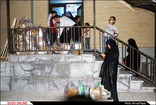 اطعام و اکرام نیازمندان توسط مجمع خیرین و نیکوکاران