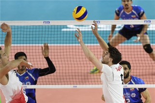 دیدار تیم ملی والیبال ایران و کانادا