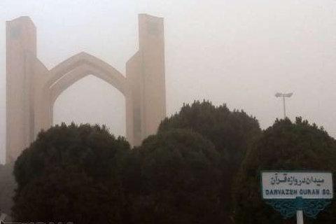 وضعیت نا سالم هوا در یزد