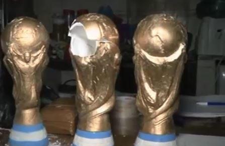 جاسازی مواد مخدر در مجسمههای جام جهانی