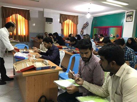 برگزاری کارگاه آموزش ساخت هواپیمای مدل ویژه دبیران و رابطین پژوهشی بندرعباس