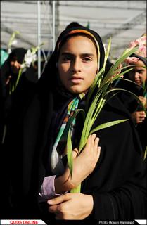 گلباران حرم مطهر رضوی در روز میلاد بانوی کرامت /گزارش تصویری