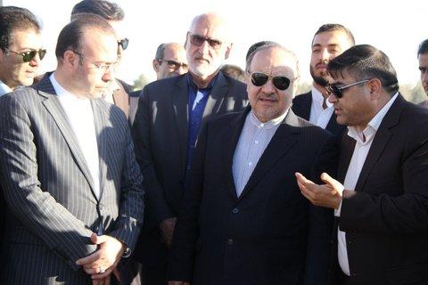 بازديد وزيرورزش وجوانان ازپروژه 5 هزارنفری تربت جام