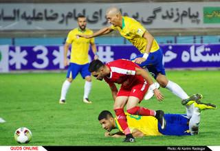 دیدار تیم های فوتبال پدیده -صنعت نفت آبادان