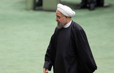 روحانی 12 روز فرصت دارد تا برای پاسخ به سوال نمایندگان در مجلس حضور پیدا کند