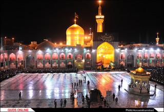 مراسم سنتی خطبه خوانی شب عاشورای حسینی در حرم مطهر رضوی برگزار شد/گزارش تصویری