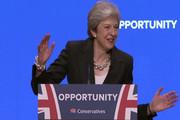 فیلم| حرکات عجیب ترزا می در کنفرانس حزب محافظه کار
