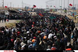 زائران اربعین حسینی در پایانه مرزی مهران