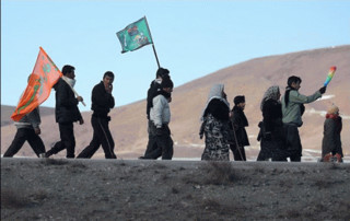 زائران پیاده مشهد مقدس