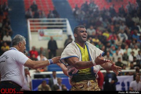 مسابقات کشتی با چوخه قهرمانی کشور در مشهد