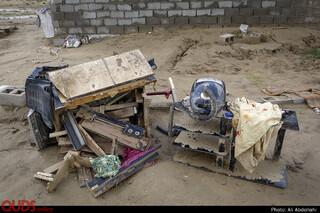 جاری شدن سیل،  باعث از بین رفتن وسایل برقی اکثر خانه های این روستا شده است.
