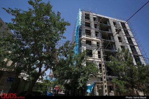 سقوط دو کارگر ساختمانی  از داربست در مشهد