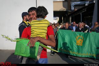 آزادی زیر سایه پرچم امام رضا(ع)