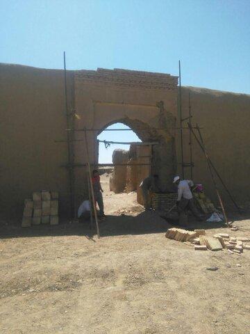 مرمت قلعه تاریخی کریم آباد رشتخوار