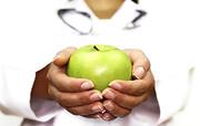 اهدای ۲۰ تن سیب به مددجویان کمیته امداد توسط باغداران نقده