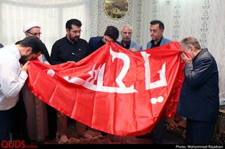 تجلیل و تکریم نمایندگان آستان مقدس حضرت اباعبدالله الحسین(ع) از خانواده شهید حسین خاوری