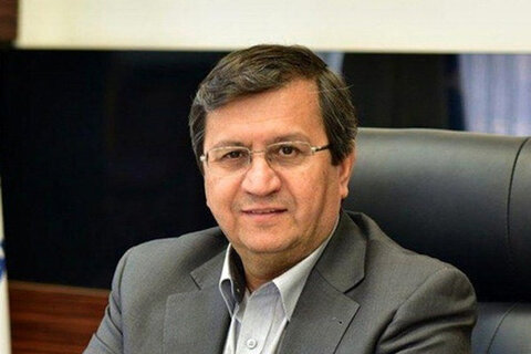 رئیس کل بانک مرکزی در مشهد: ثبات را به بازار ارز باز میگردانیم / در تلاشند به ارزش پول ملی ضربه بزنند