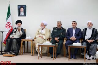 دیدار دستاندرکاران کنگره ملی ۶۲۰۰ شهید استان مرکزی با مقام معظم رهبری
