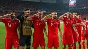 جنجال سلام نظامی  بازیکنان ترکیه بعد از به ثمر رساندن گل