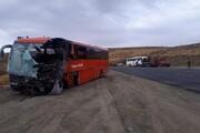 برخورد ۲ دستگاه اتوبوس در گردنه اسدآباد یک کشته و ۲۵ مصدوم بر جای گذاشت