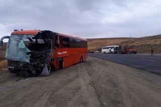 تصادف دو اتوبوس