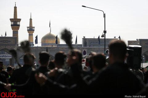 عزاداری شهادت امام رضا علیه السلام در خیابان های منتهی به حرم مطهر رضوی