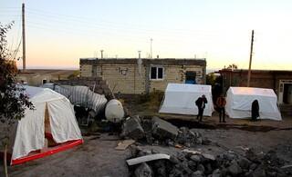چادر زلزله زدگان میانه