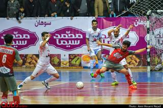 برتری گیتی پسند اصفهان مقابل سوهان قم در مرحله پلی آف لیگ برتر فوتسال