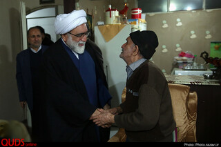 دیدار تولیت آستان قدس رضوی با خانواده شهدای مدافع حرم