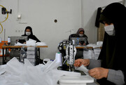 کارآفرین خراسان شمالی برای تامین ماسک رویه تولید کارگاه را تغییر داد