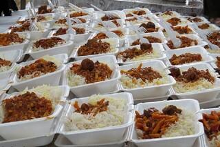توزیع غذای گرم