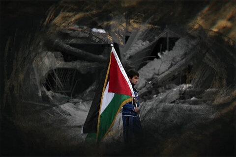 مستند «ایستاده در حصار»