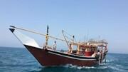 توقیف لنچ باری و دستگیری ۳ قاچاقچی در آبهای خلیجفارس