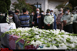 ورود پیکر شهید نسیم افغانی به فرودگاه مشهد مقدس