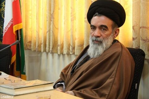حجتالاسلام حسینیخراسانی